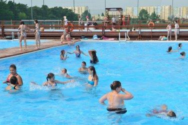 Odkryty basen w Piotrkowie całkiem realny