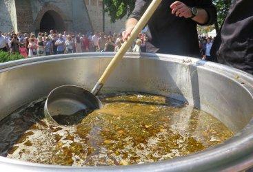 Rekordowa zupa gulaszowa z dziczyzny ugotowana i ... zjedzona