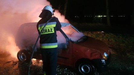Dwa pojazdy spłonęły na terenie powiatu