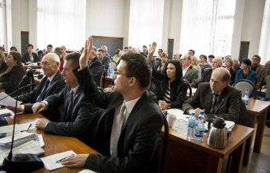 Radni nie podjęli uchwal w sprawie PZOZ