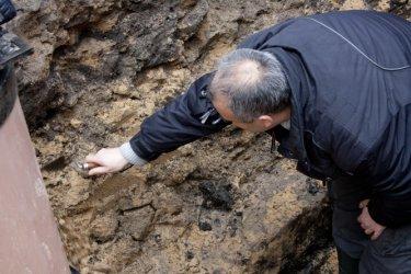 Piotrków: Robotnicy odkopali XV-wieczne relikty