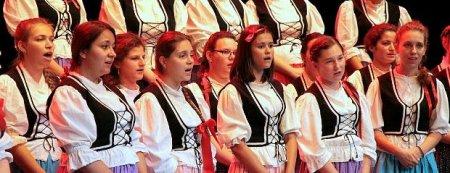 Dziewczęcy chór z Węgier z koncertami w regionie