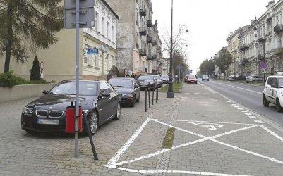 Coraz więcej aut, a parkingów ciągle brakuje