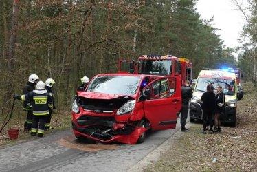 Czołowe zderzenie dwóch busów
