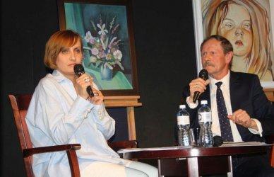 Wieczór autorski poezji i malarstwa Aleksandra Książczaka w OEA MOK