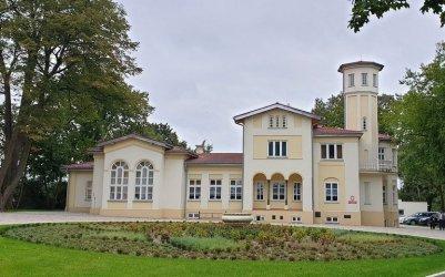 Odkrywamy znane i nieznane - Zespół dworsko-parkowy w Szynczycach
