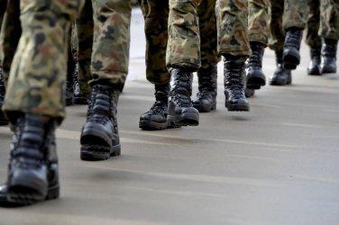 Projekt MON: zakaz noszenia mundurów przez uczestników zgromadzeń