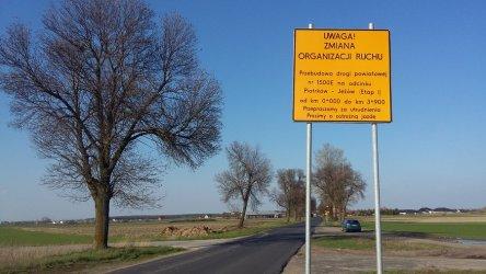 Prace na drodze Piotrków – Jeżów. Uwaga na utrudnienia w ruchu!