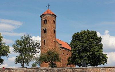 Odkrywamy znane i nieznane – Filmowy kościół w Inowłodzu