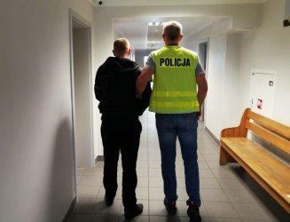Pracownik firmy transportowej kradł przesyłki kurierskie