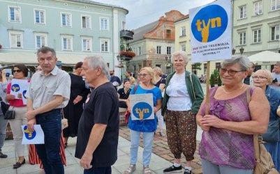 Piotrkowianie stanęli w obronie wolnych mediów