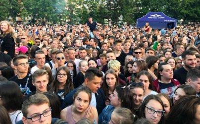 Tłumy na koncercie Quebonafide w Piotrkowie