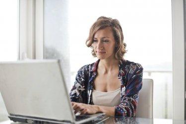 Jak wybrać darmowy program księgowy dla małych firm?