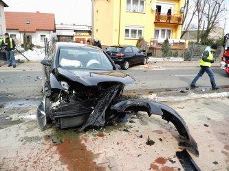 Groźny wypadek na Polnej. Kierowcy w szpitalu