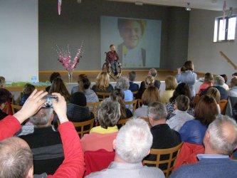 Mówca motywacyjny na spotkaniu w Gorzkowicach