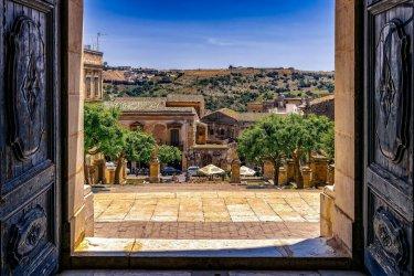 Sycylia: włoska wyspa i jej skarby