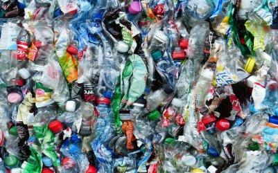 Raport: plastik większym problemem niż zmiany klimatu