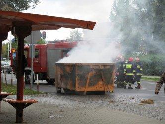 Palił się śmietnik przy Kostromskiej