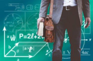 Czy nauczyciele zarabiają za mało?