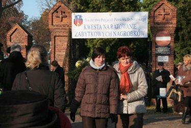 Pomóżmy piotrkowskim Powązkom