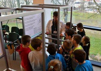 Kolejni młodzi adepci nauk ścisłych odwiedzili Mediatekę