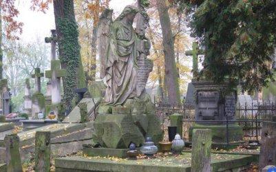 Ostatnie dni piotrkowskiej kwesty na ratowanie nagrobków