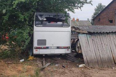 Wypadek autobusu pracowniczego. Nie żyje kierowca
