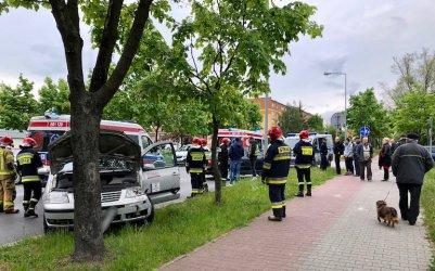 Zderzenie dwóch osobówek na Kostromskiej