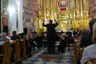 Orkiestra Filharmonii Łódzkiej w kościele Jezuitów