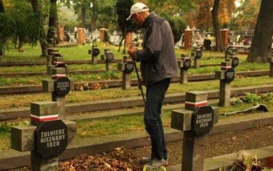 Uporządkowali Cmentarz Wojenny przy Partyzantów w Piotrkowie