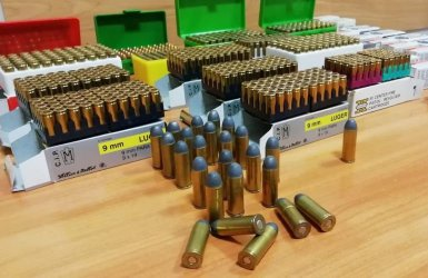 Ostrą amunicję chciał przerobić na… breloczki