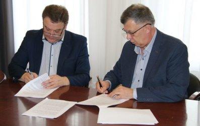 Gmina Wola Krzysztoporska: Umowa na budowę mieszkań komunalnych podpisana