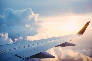 Spóźniony samolot - jakie mamy prawa?