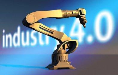 Rewolucja przemysłowa 4.0 nie pozbawi ludzi pracy. Na stanowisku człowiek ramię w ramię z robotem