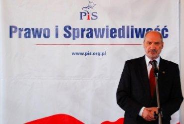 Macierewicz chce powołania międzynarodowej komisji
