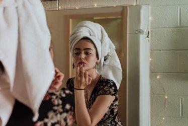 Olej z konopi jako cenny składnik kosmetyków