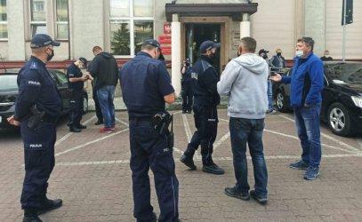 Kupcy protestowali przed Urzędem Miasta