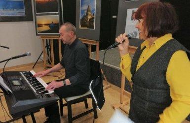 Warsztaty wokalne zespołu Senior Ewki dla seniorów w Ośrodku Edukacji Artystycznej MOK