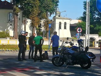 Wywrotka motocyklisty na bliźniaczych rondach