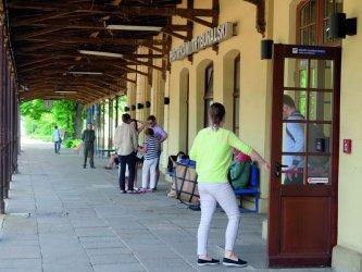 Dworzec dla podróżnych czy bezdomnych?