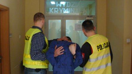 Za kilkanaście złotych pobili kierowcę autobusu