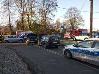 Trzy samochody zderzyły się w Piotrkowie