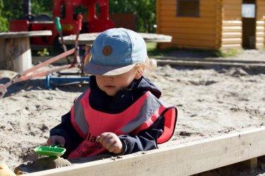 Kraina małego smyka – Postaw domek w ogrodzie