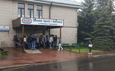 Mieszkańcy skarżą się na organizację punktu szczepień