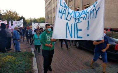 Protest kupców. Blokowali przejścia dla pieszych i wezwali prezydenta do rozmów (VIDEO)