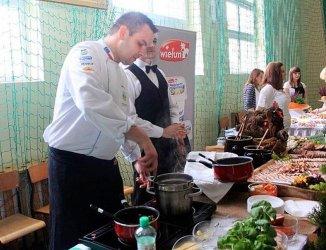 Uczniowie z Niechcic na Festiwalu Smaków w Bełchatowie