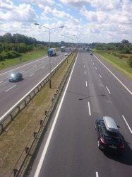 Do ponad 11 kilometrów wydłuża się odcinek nowej betonowej jezdni między Piotrkowem i Kamieńskiem