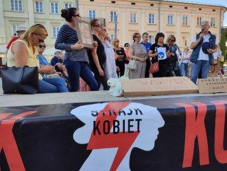 Kolejny protest przeciwko ustawie Lex Anty – TVN (FILMY)