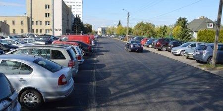 Przy Szkolnej będzie strefa płatnego parkowania