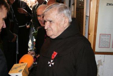Ojciec Leoncjusz otrzymał Krzyż Oficerski